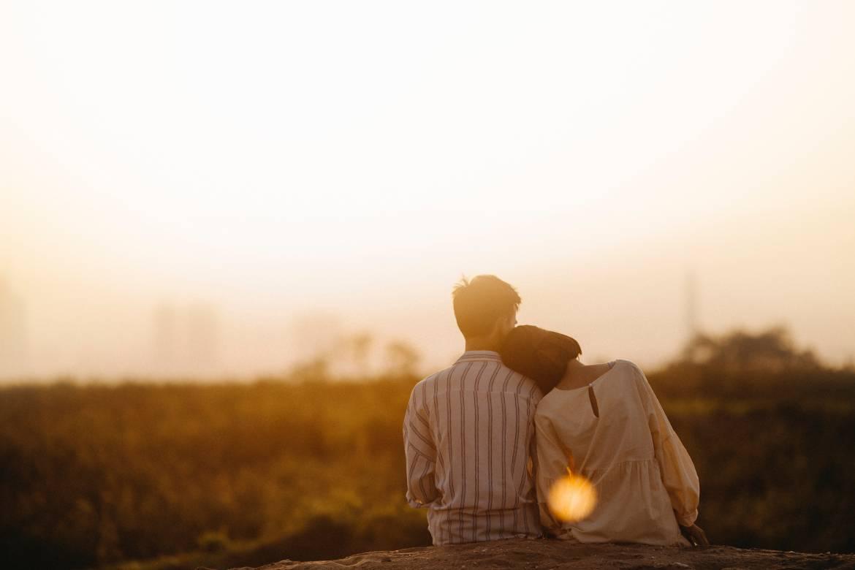 backlit-blur-couple-1415131.jpg